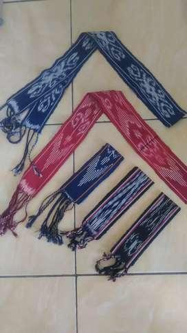 Ikat kepala syal tenun lombok