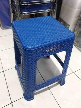 Kursi Susun Dingklik Baso Bakso Kotak Tanpa Sandaran Rotan Plastik