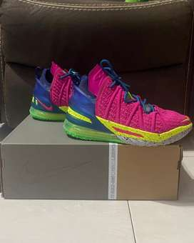 Sepatu Basket Nike Lebron XVIII PINK