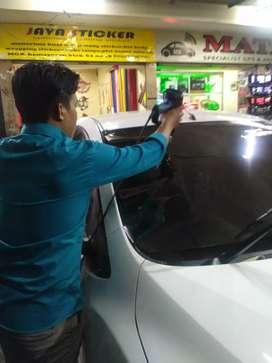 Pasang kaca film mobil dan gedung bisa dipanggil ke lokasi anda