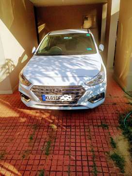 Verna SX 1.6 lit petrol with LED projector lamp