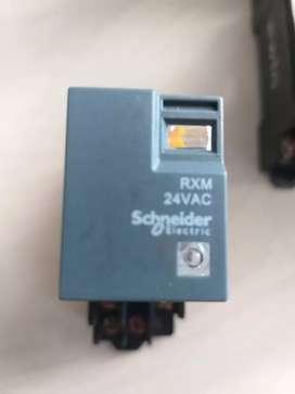 Relay omron 24 VAC schneider