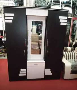 Brand new 3 door wardrobe factory prices direct from manufacturer