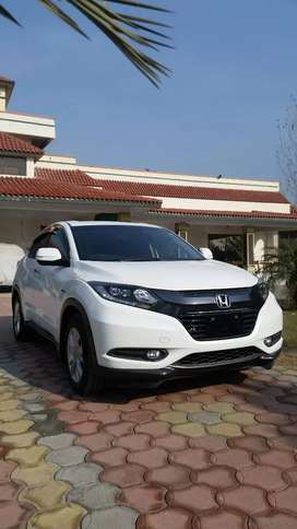 Fresh import 2019, Pearl white, Geneuine condition, 8 airbags.