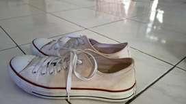 Di jual sepatu Converse original