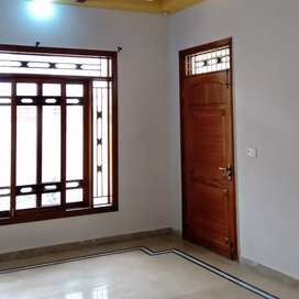 200 Sq.Yd House For Rent at Teacher Society.