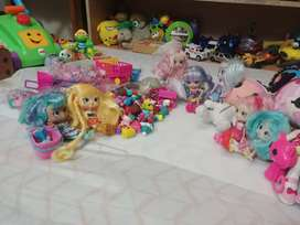 Shopkins and lalalopsy dolls.