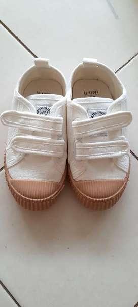 Sepatu Anak Putih Casual Anak Unisex bisa Perempuan / Laki-laki