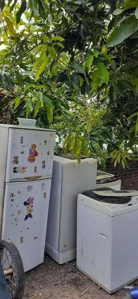 Saya cari kulkas dan mesin cuci bekas/rusak