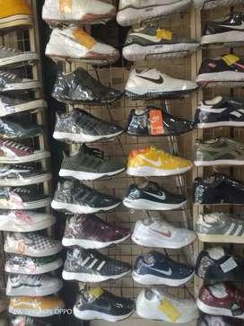 Sepatu vans,convers