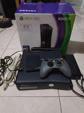Dijual xbox 360 slim 4gb lengkap semua
