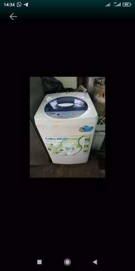 Mesin cuci toploding lg digital 8 kg