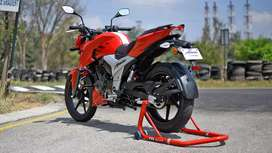 My new Apache RTR 160 4V brend new condition 2 sarves or hai
