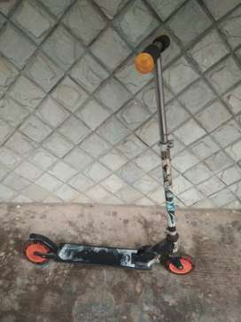 Skating scooter
