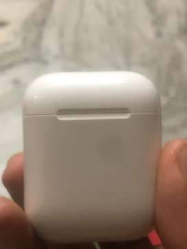 Apple airpod empty case