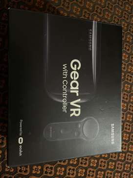Samsung Gear VR oculus with controller
