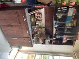 Kitchen slab cabinet