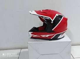 Helm sepeda motor Honda CRF