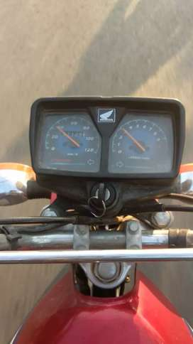 Honda Cg 125 2016 Model Red Colour all genuine parts urgently sale
