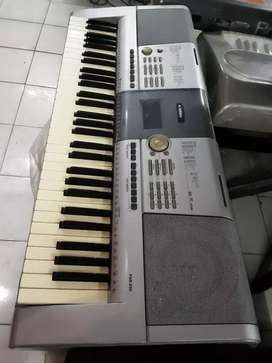 Keyboard yamaha psr295 bekas