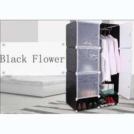 LEMARI PAKAIAN TERBUAT DARI PLASTIK 6 PINTU - Black