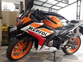 FS: CBR 150R repsol edition