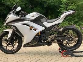 CASH CREDIT jual motor moge kawasaki ninja 250 fi 2013 putih
