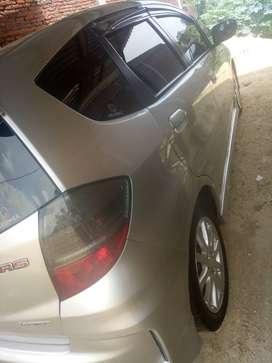 Dijual cepat mobil honda jazz warna silver thn 2013