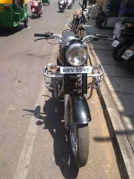 Royal Enfield ) bullet goood contion less use,