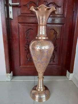 Guci/Vas Bunga Kuningan Antik