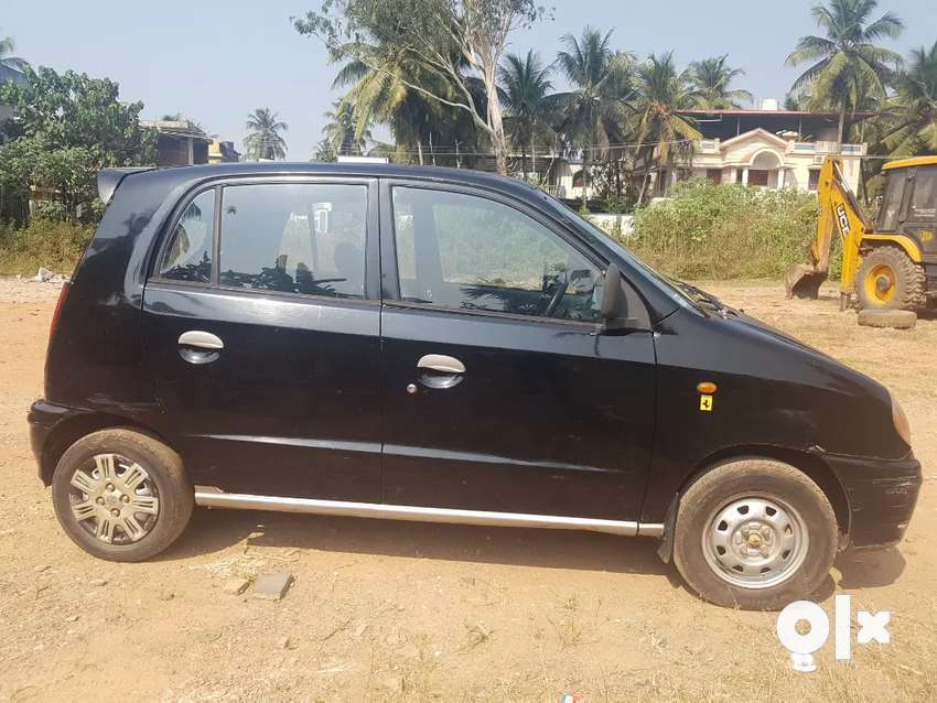 Well maintained black santro 0