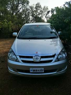 Excellent condition innova 2.5G
