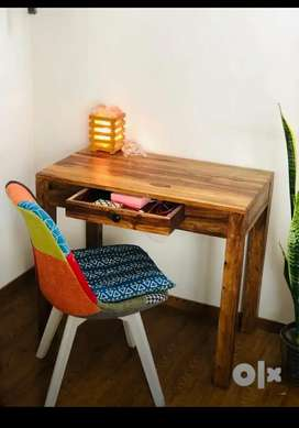Study table brand new, in Solid Sheesham Wood.Best Price Guranteed.