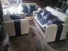 Ready Stock,sofa minimalis hitan-cream kulit oscar.