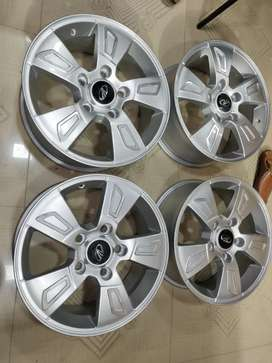 "17"" Mahindra Xuv 500 W8 OEM Alloys set of 4 lite used"