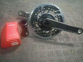 Crank Sram Red 172.5 carbon axs + Bottom Bracket