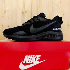 Sepatu Sneakers Pria - Gratis Ongkir