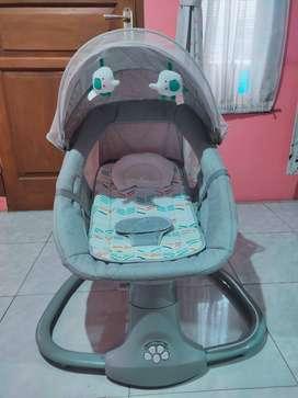 Ayunan Bayi Elektrik - Cocolatte Snuggli Bouncer
