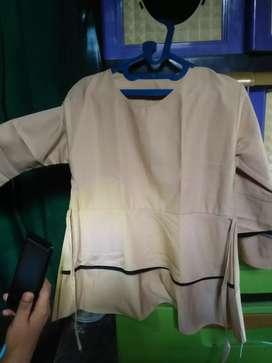 Baju atasan bekas