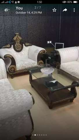Selling sofa Set 6 Setar and 3 table 10\10 8 month use
