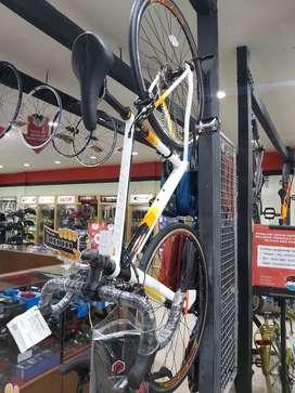Sepeda Balap Strattos S3 Dijual Kredit Bunga 0.99% Proses Cepat