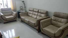 Leather Sofa : 3 Seater + 1+1 Seater