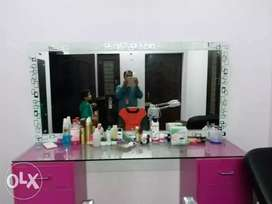 Beauty Parlour Items
