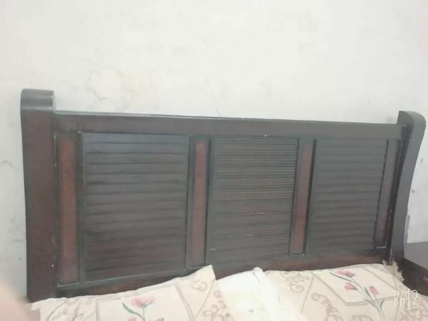 Double bed b dressin table