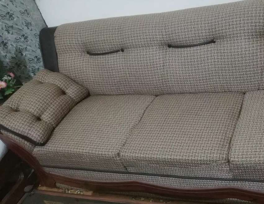 5 Seater Sofa Set in Excellent Condition Only One Season Used .! 0