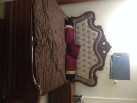 BED WARDROBE & DRESSING TABLE
