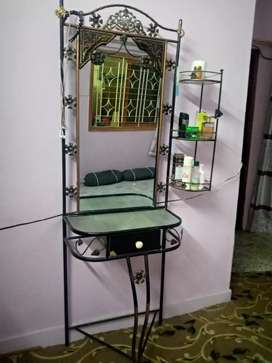 Iron Dressing table ,stand draw,3 shelf good condition