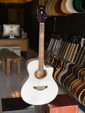 Gitar akustik apx edisi putih