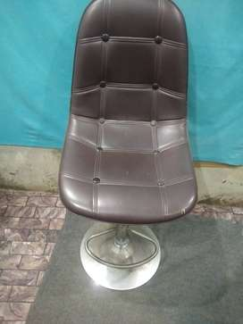 As a new chair few month used office chair hiderocl pump up and down