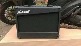 Ampli bass gitar akustik elektrik